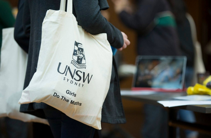 UNSW Tote Bag Girls Do the math