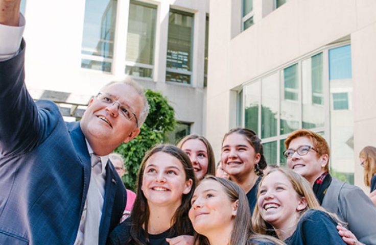 Prime Minister Scott Morrison taking a selfie with the Academy for Enterprising Girls