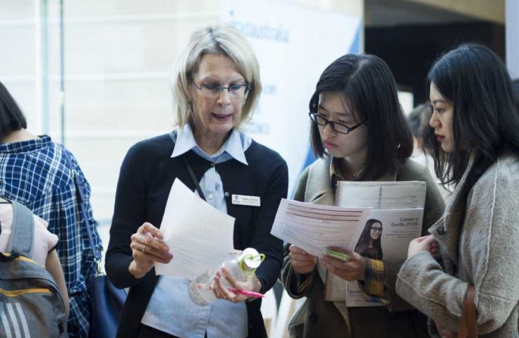 UNSW Students working with staff on their job application